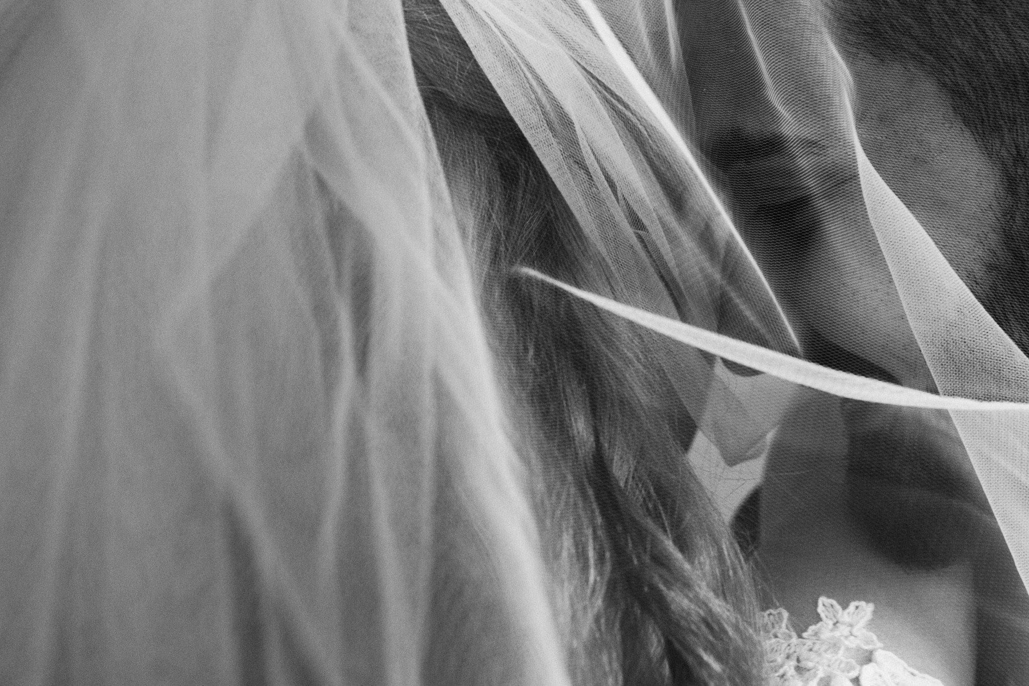 Sedinta foto nunta portret alb negru Paul Padurariu fotograf nunta Iasi www.paulpadurariu.ro