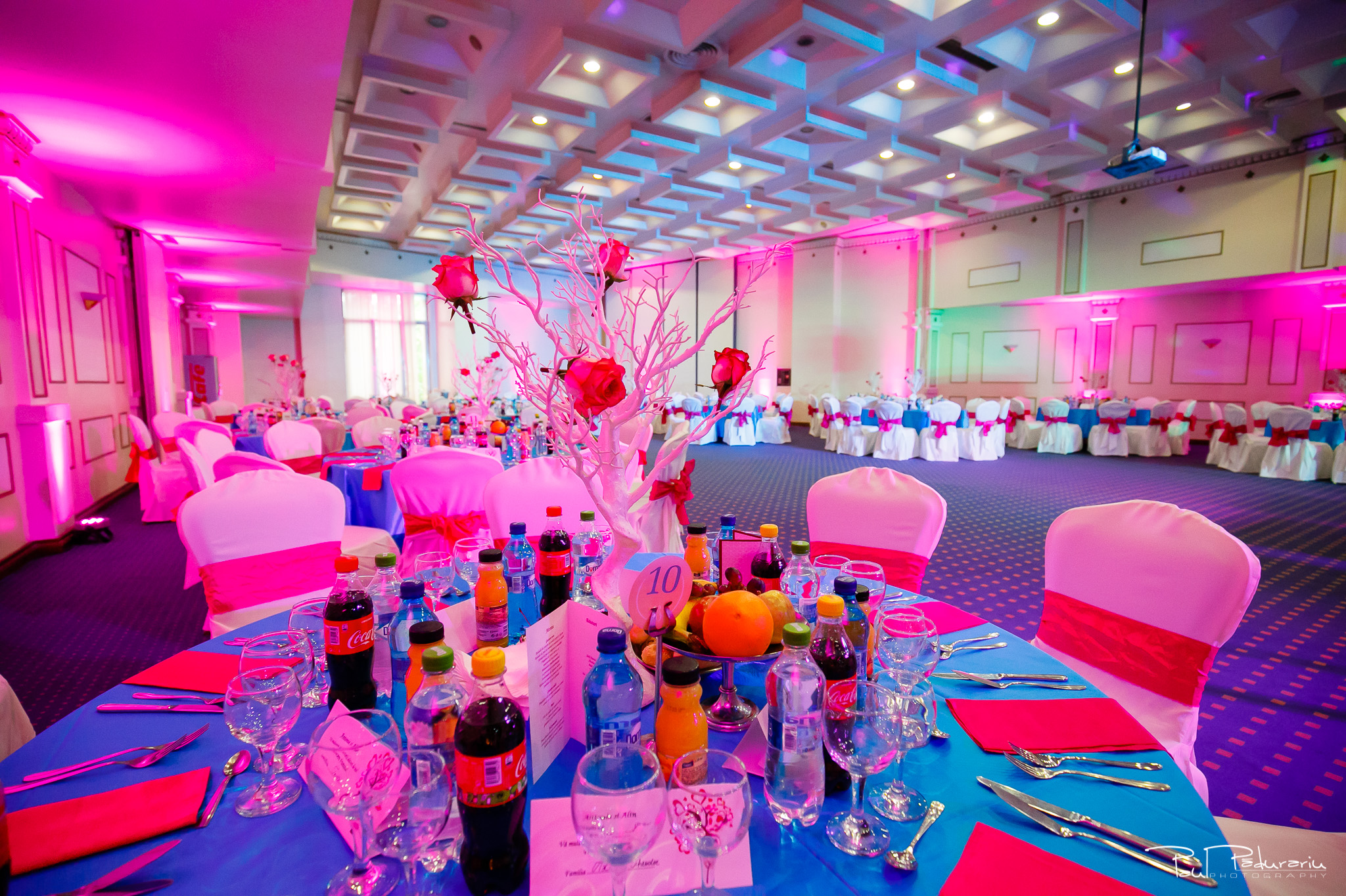 Antonia si Alin – Nunta in Iasi – restaurant Traian www.paulpadurariu.ro © 2018 Paul Padurariu fotograf profesionist nunta Iasi - decoratiuni magenta events