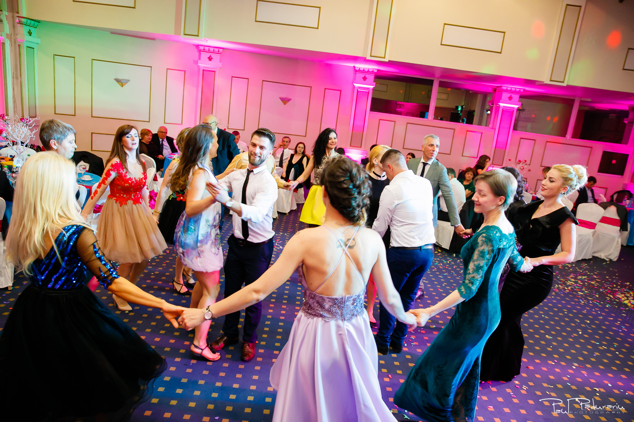 Antonia si Alin – Nunta in Iasi – restaurant Traian www.paulpadurariu.ro © 2018 Paul Padurariu fotograf profesionist nunta Iasi dans invitati