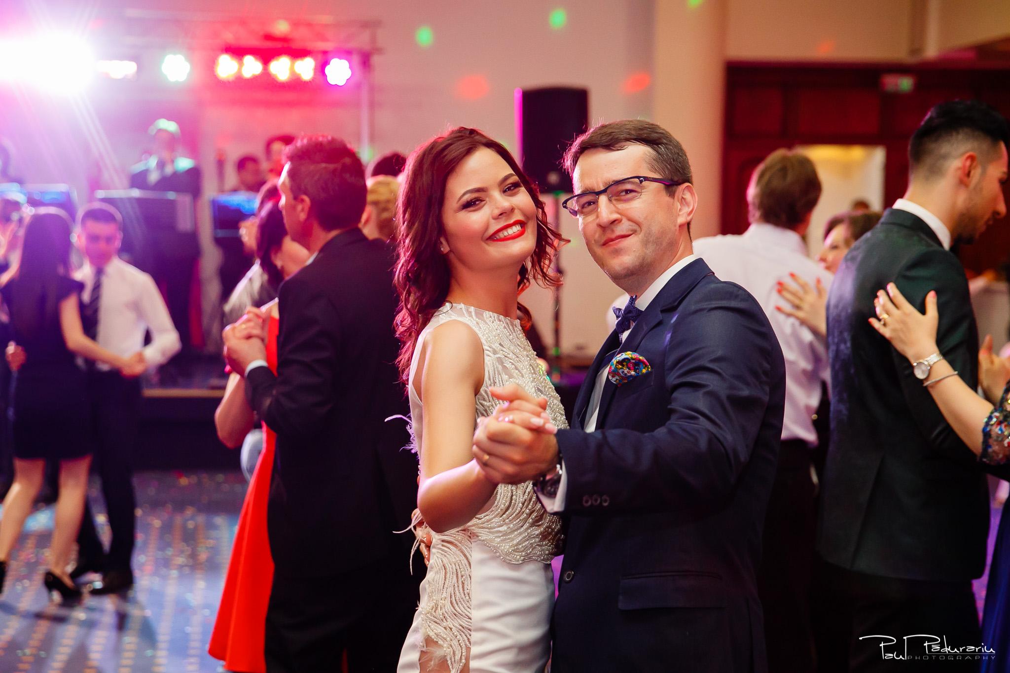 Antonia si Alin – Nunta in Iasi – restaurant Traian www.paulpadurariu.ro © 2018 Paul Padurariu fotograf profesionist nunta Iasi - dans invitati 2