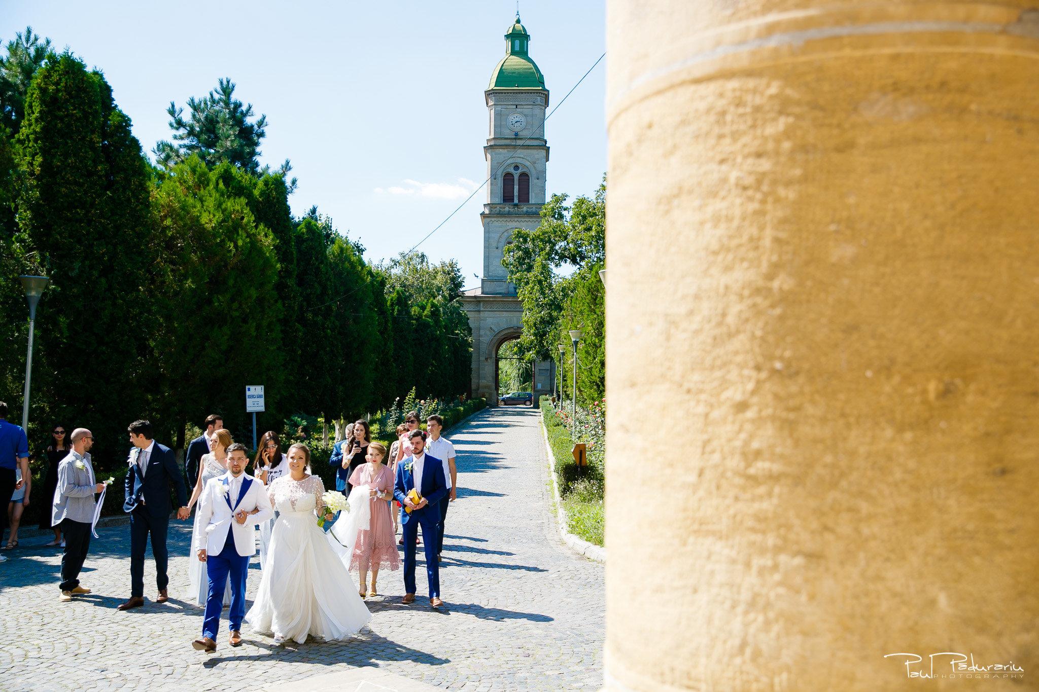 Cununia religioasa nunta Ema si Tudor fotograf de nunta iasi www.paulpadurariu.ro © 2017 Paul Padurariu spre biserica