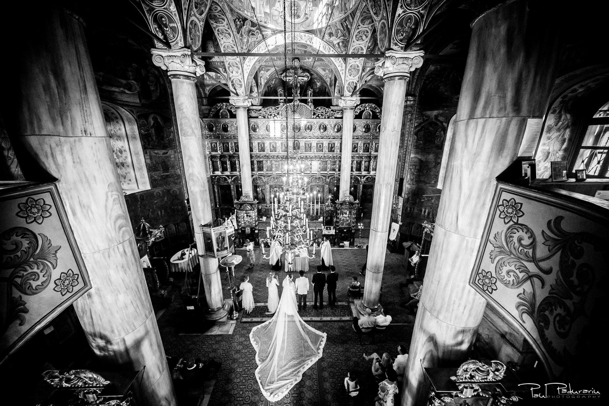 Cununia religioasa nunta Ema si Tudor fotograf de nunta iasi www.paulpadurariu.ro © 2017 Paul Padurariu miri vedere de sus in biserica