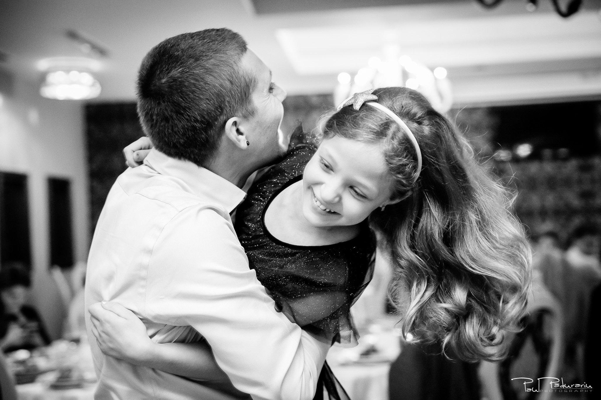 Petrecere la Pleaiada nunta cu tema Paris Ema si Tudor fotograf profesionist de nunta iasi www.paulpadurariu.ro © 2017 Paul Padurariu - moment dans invitati