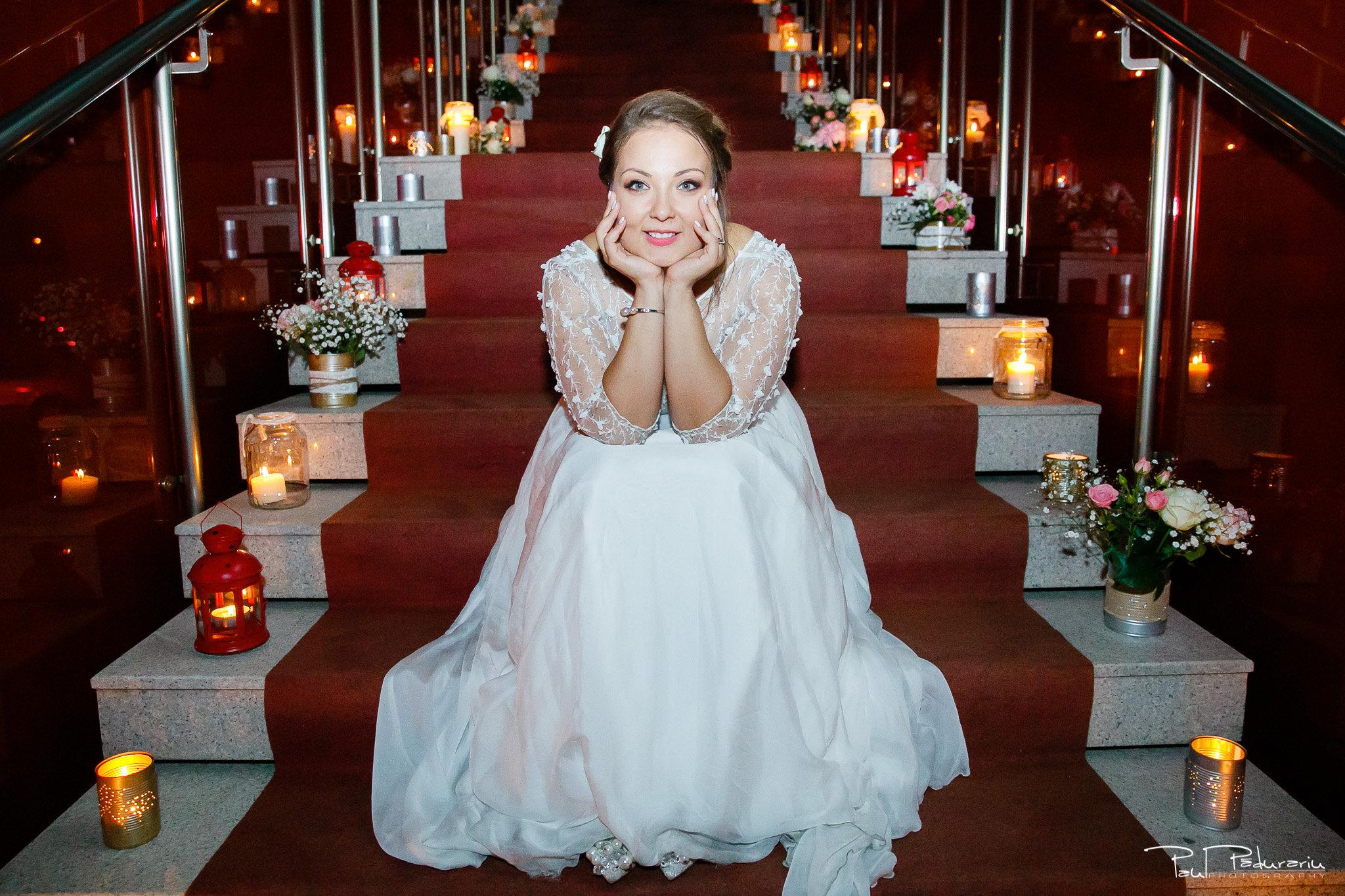 Petrecere la Pleaiada nunta cu tema Paris Ema si Tudor fotograf profesionist de nunta iasi www.paulpadurariu.ro © 2017 Paul Padurariu - portret furatul miresei