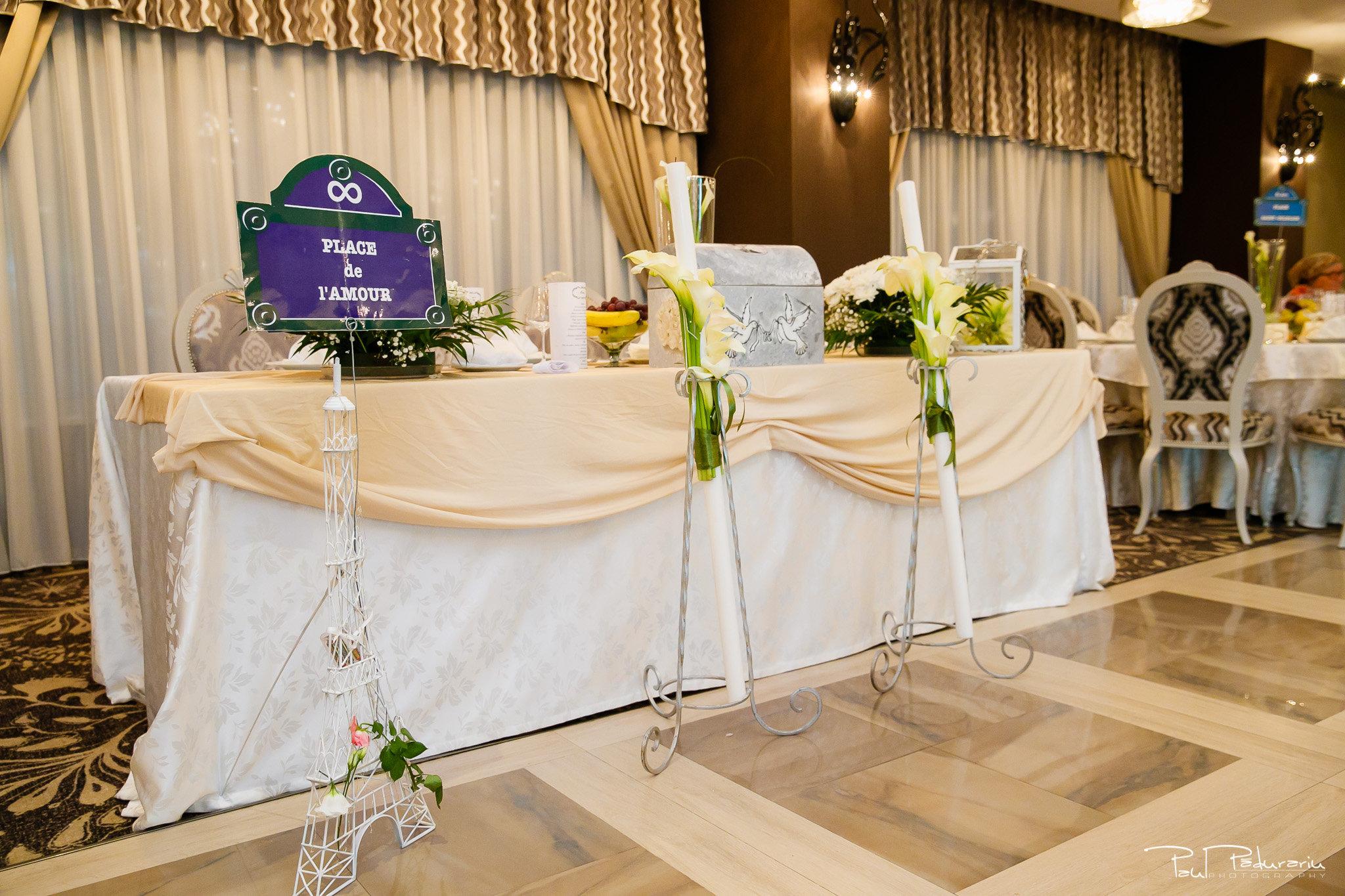 Petrecere la Pleaiada nunta Ema si Tudor fotograf profesionist de nunta iasi www.paulpadurariu.ro © 2017 Paul Padurariu masa prezidiu tema nuntii Paris
