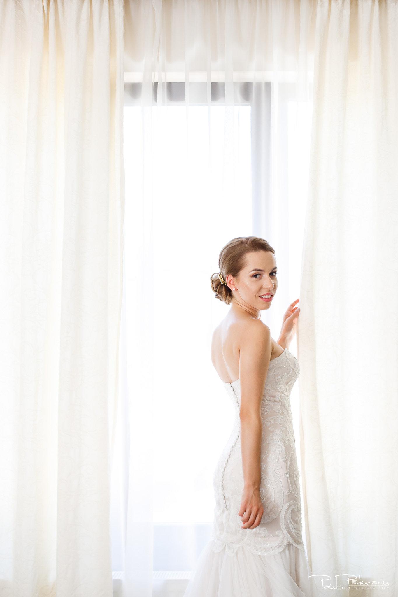 Roxana si Silviu Nunta Hotel Eden Iasi - pregatiri mireasa - fotograf profesionist nunta www.paulpadurariu.ro © 2017 Paul Padurariu