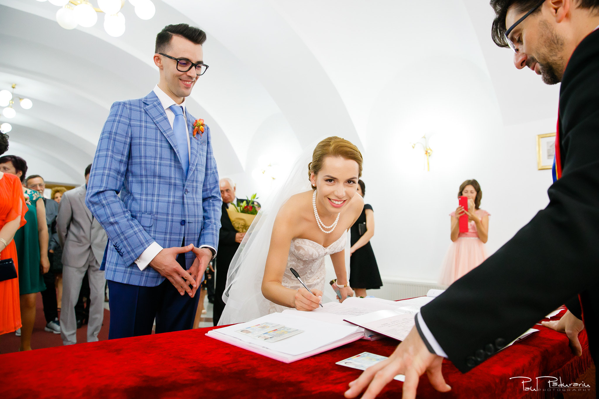 Roxana si Silviu Nunta Hotel Eden Iasi - oficierea starii civile mireasa - fotograf profesionist nunta www.paulpadurariu.ro © 2017 Paul Padurariu