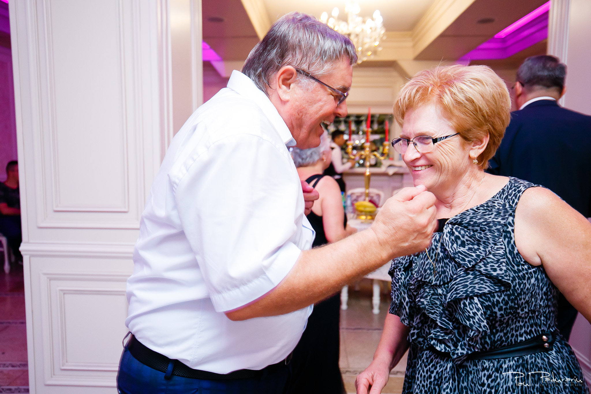 Roxana si Silviu Nunta Hotel Eden petrecere fotograf profesionist iasi www.paulpadurariu.ro © 2017 Paul Padurariu moment dans