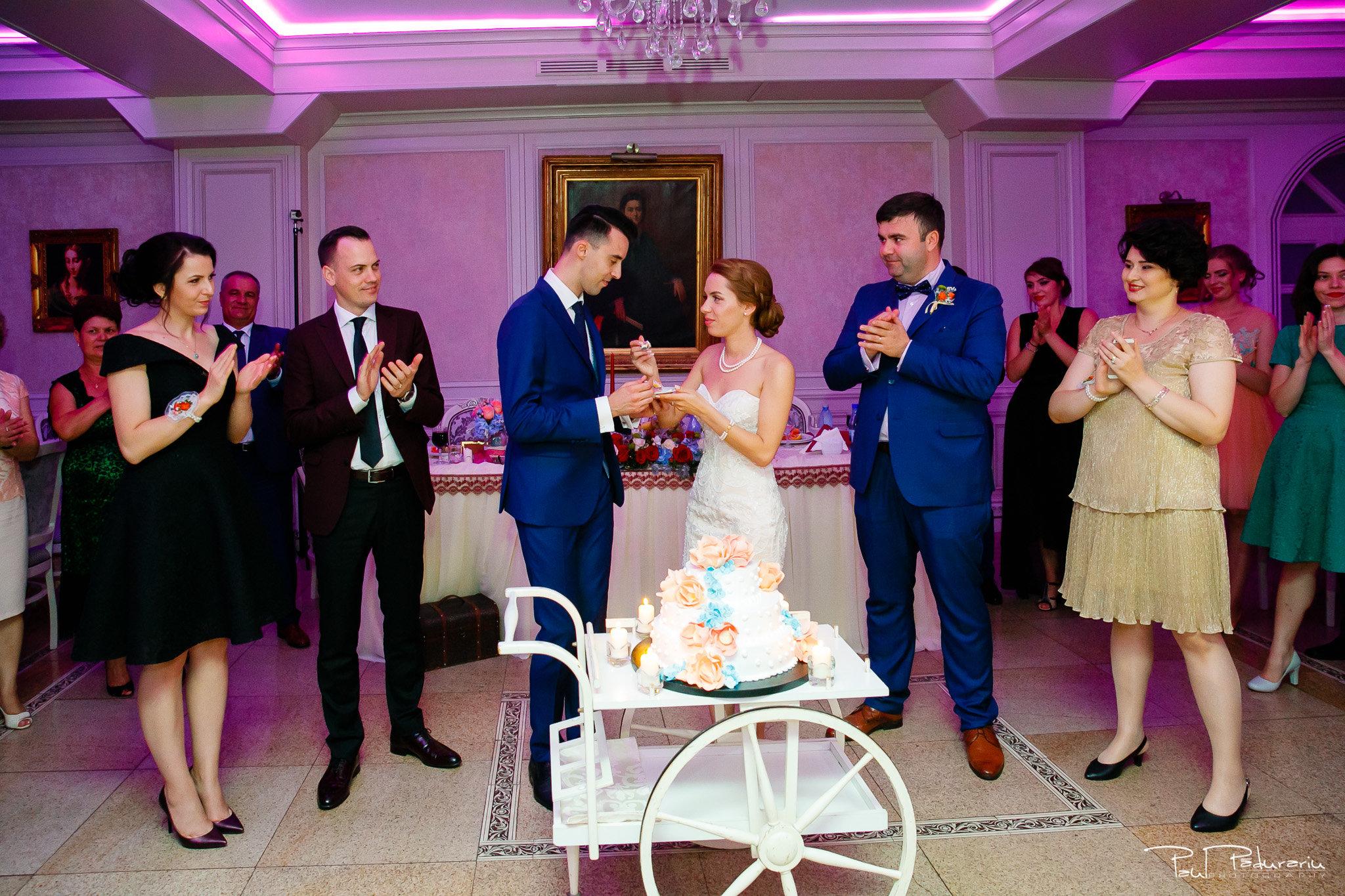 Roxana si Silviu Nunta Hotel Eden petrecere fotograf profesionist iasi www.paulpadurariu.ro © 2017 Paul Padurariu tort taiat