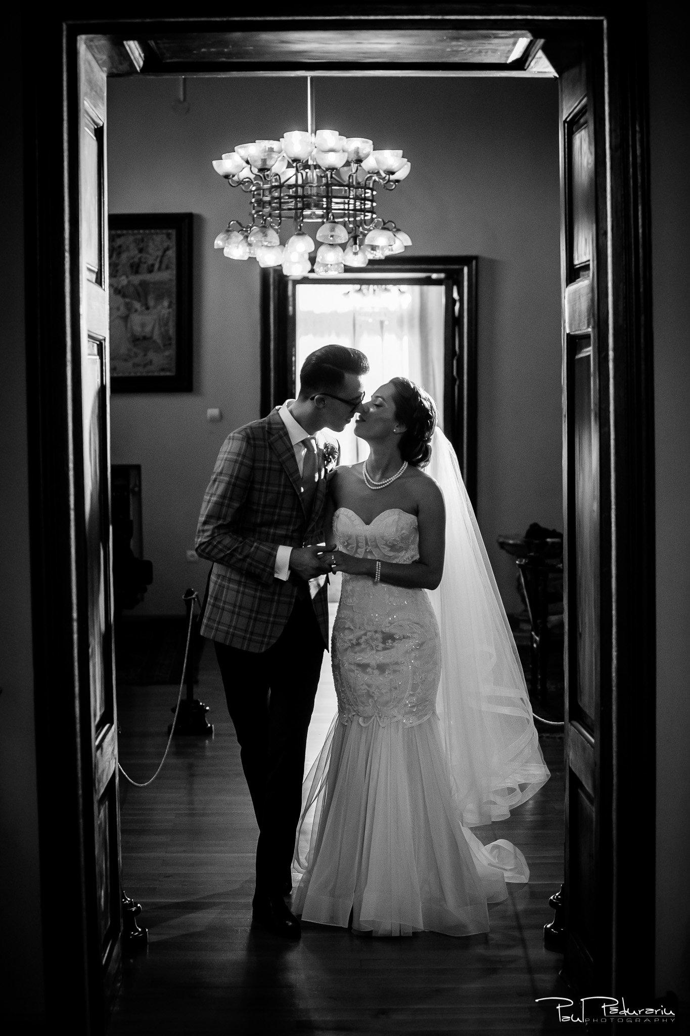 Roxana si Silviu sedinta foto nunta alb negru Casa Pogor Iasi fotograf profesionist nunta www.paulpadurariu.ro © 2017 Paul Padurariu