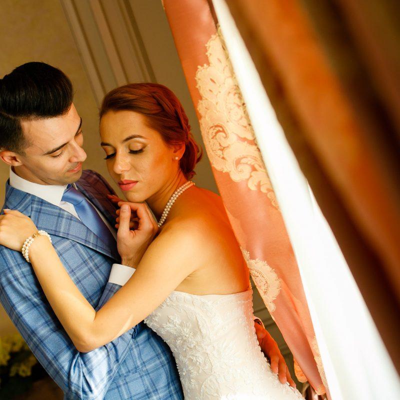 Roxana si Silviu Nunta Hotel Eden Iasi fotograf nunta profesionistwww.paulpadurariu.ro © 2017 Paul Padurariu