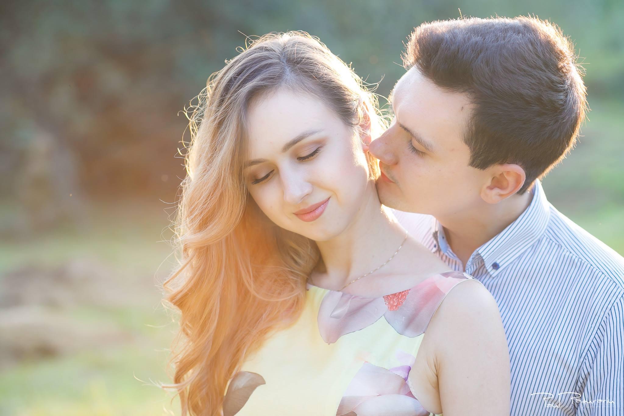 Nicoleta si Catalin - sedinta foto de logodna in Gradina Botanica Iasi - www.paulpadurariu.ro - fotograf profesionist de nunta Iasi 4