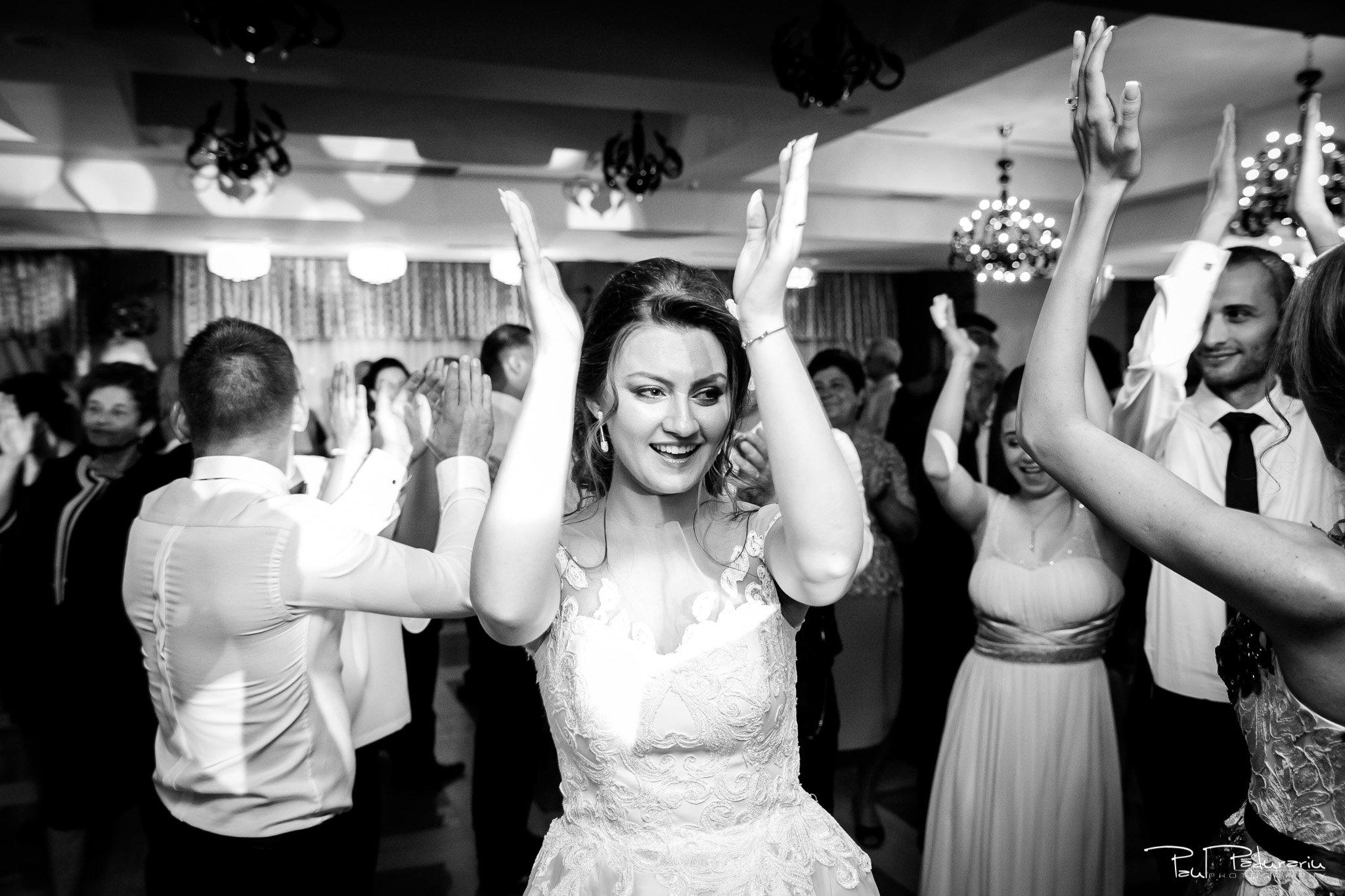 Dans mireasa Ariadna si Iulian petrecere nunta Iasi www.paulpadurariu.ro © 2017 Paul Padurariu fotograf profesionist
