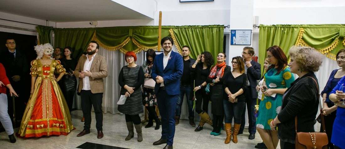 Vernisaj Expozitie de Fotografie Povesti Venetiene Paul Padurariu fotograf profesionist Iasi deschidere vernisaj