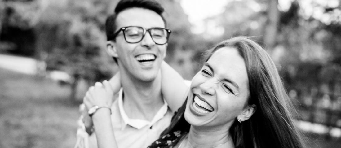 Roxana si Silviu sedinta foto de logodna in Gradina Botanica Iasi - fotograf profesionist nunta iasi www.paulpadurariu.ro © 2017 Paul Padurariu