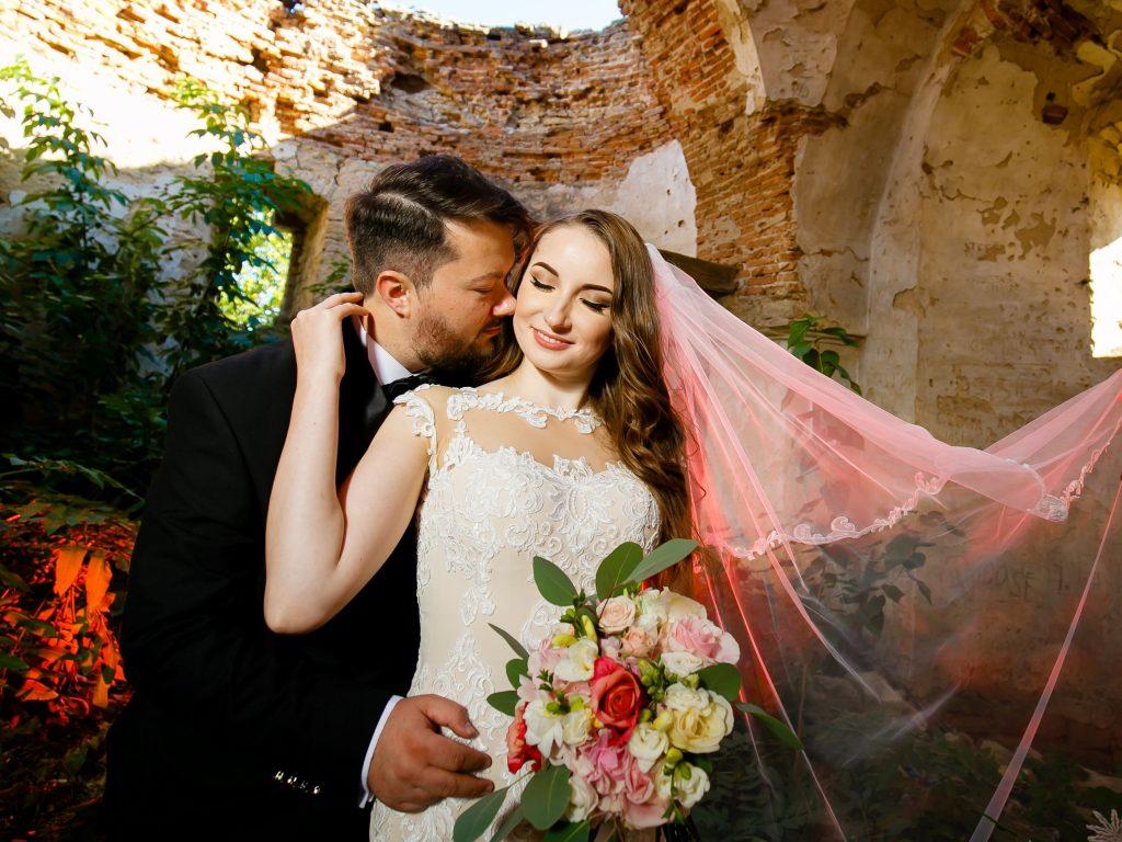 Larisa si Vlad - Nunta la Unirea - fotograf nunta iasi | fotograf profesionist Paul Padurariu 35