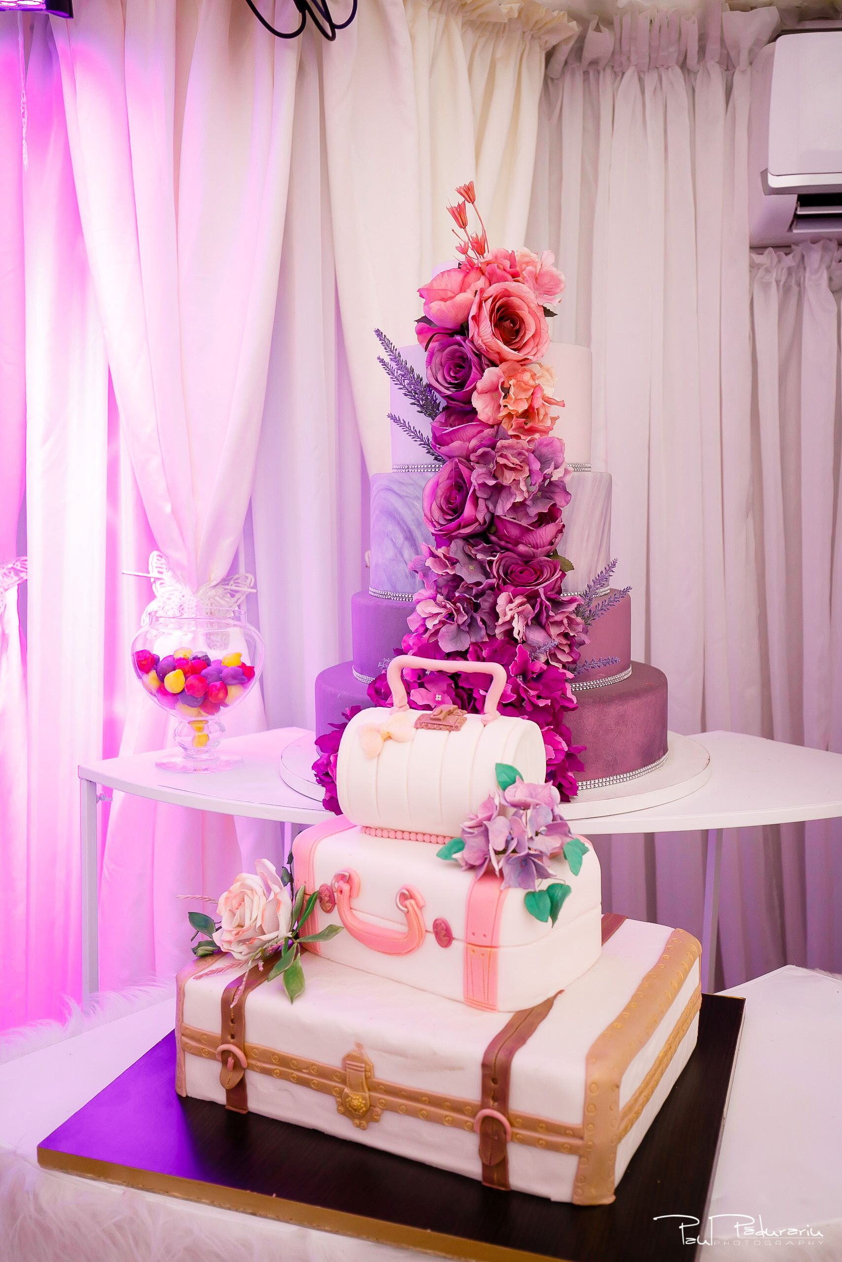 Cofetaria La Rosa - prajituri, torturi si candy bar pentru nunta Iasi fotograf Paul Padurariu Tort