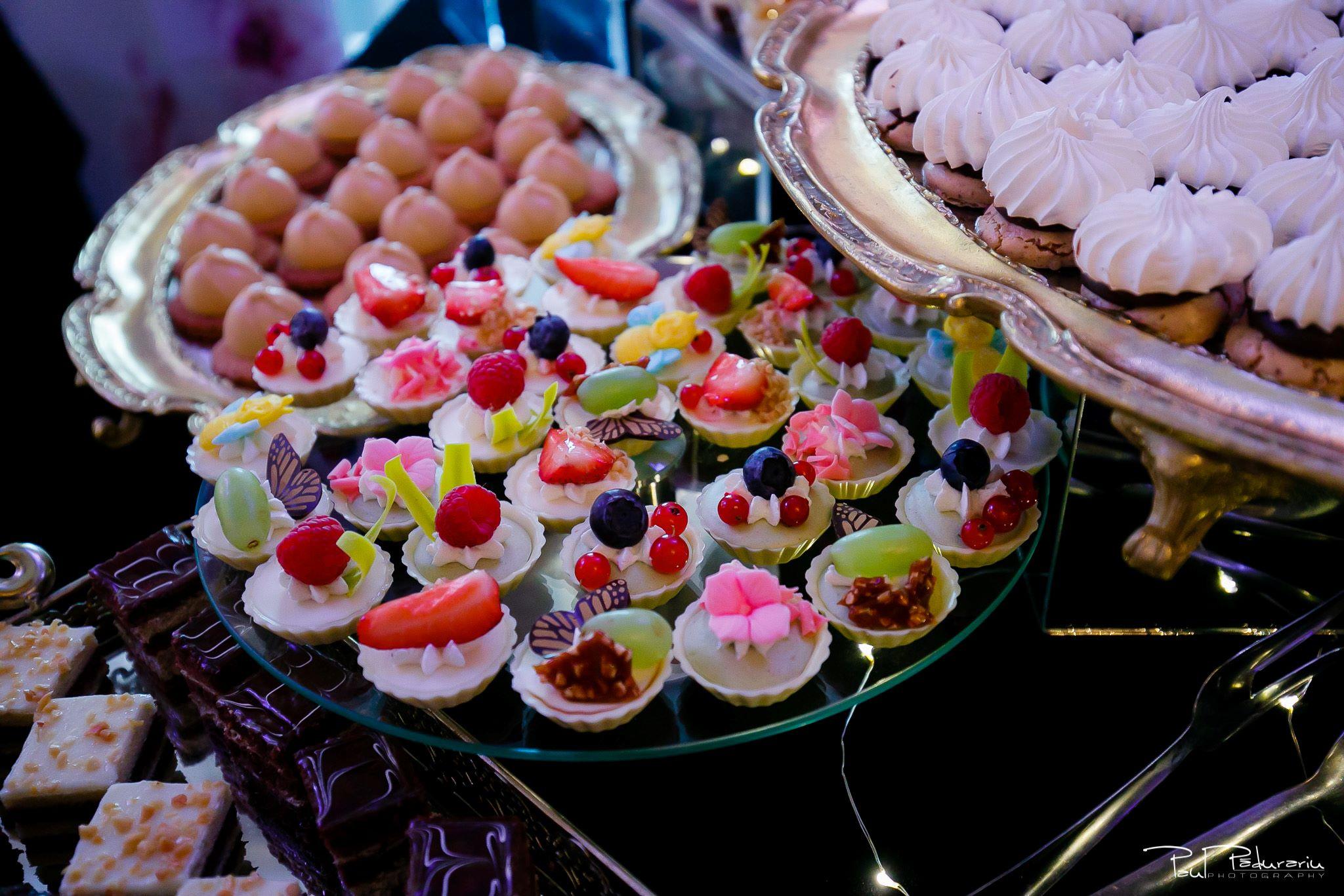 Cofetaria La Rosa - prajituri, torturi si candy bar pentru nunta Iasi fotograf Paul Padurariu 21