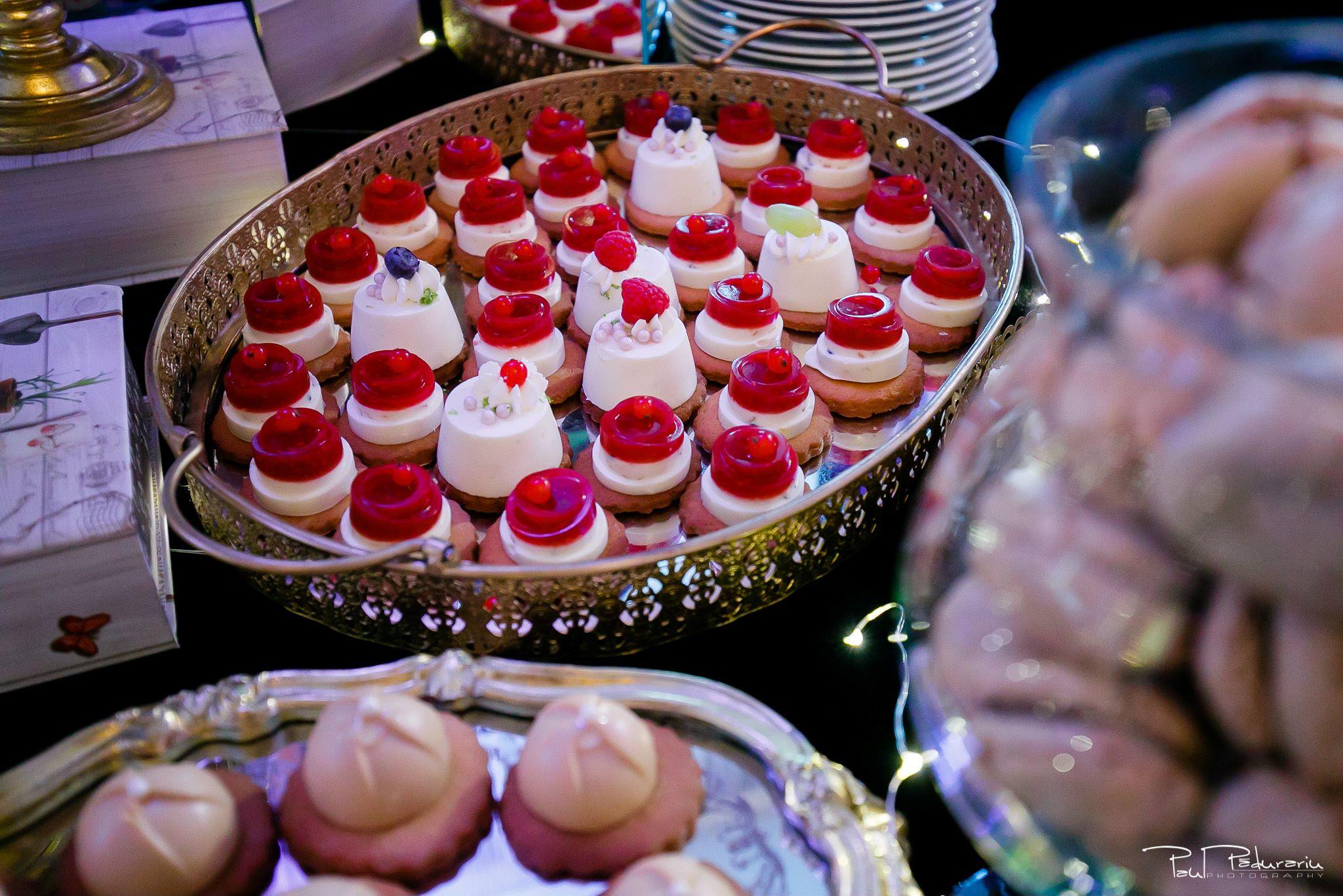 Cofetaria La Rosa - prajituri, torturi si candy bar pentru nunta Iasi fotograf Paul Padurariu 30