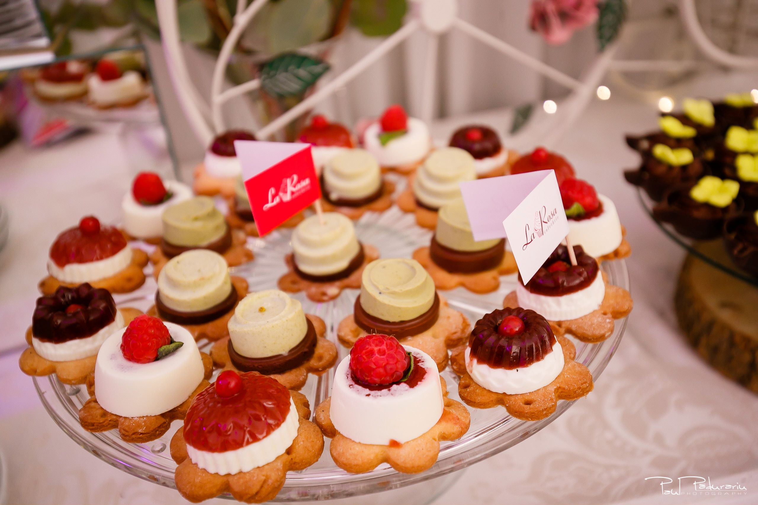 Cofetaria La Rosa - prajituri, torturi si candy bar pentru nunta Iasi fotograf Paul Padurariu 4