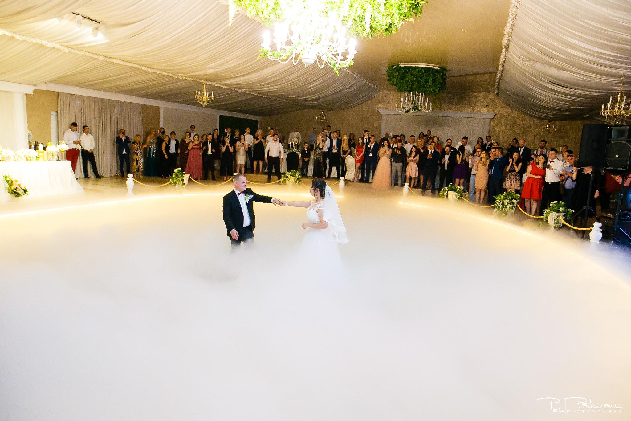 Dansul mirilor Ana-Maria și Marius nunta La Castel Iasi fotograf profesionist www.paulpadurariu.ro © 2018 Paul Padurariu 2