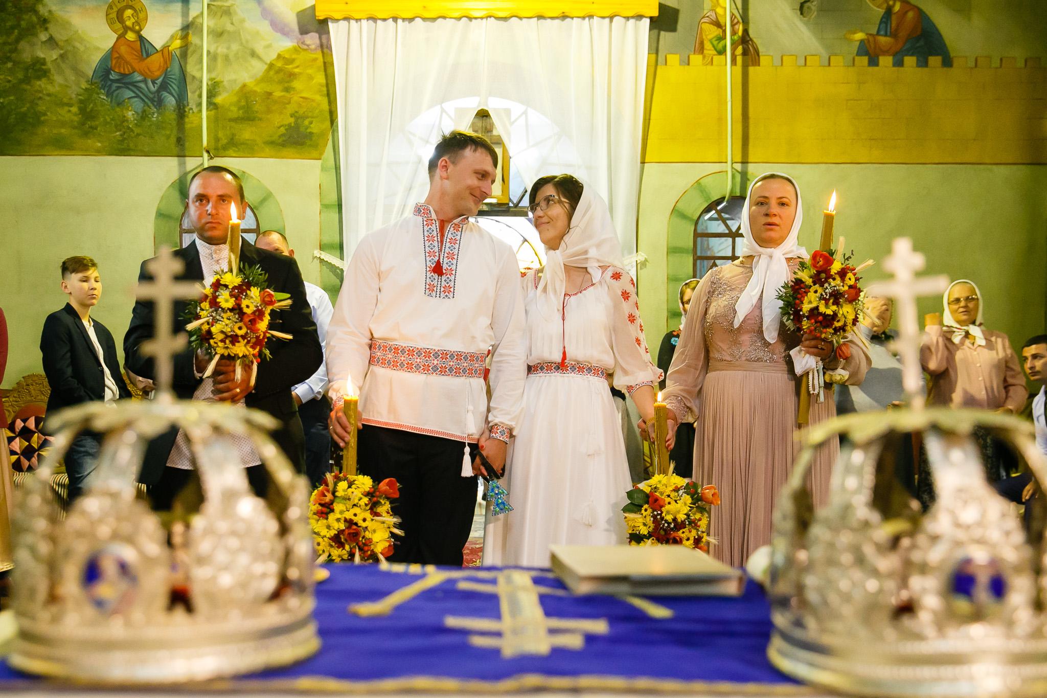 Nuntă tradițională Elisabeta și Alexandru fotograf profesionist nunta Iasi www.paulpadurariu.ro © 2018 Paul Padurariu fotograf de nunta Iasi cununia religioasa