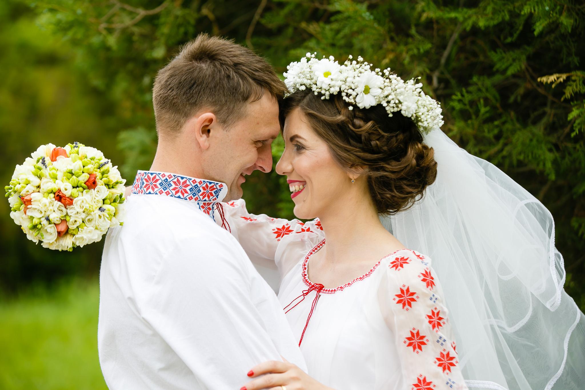Nuntă tradițională Elisabeta și Alexandru fotograf profesionist nunta Iasi www.paulpadurariu.ro © 2018 Paul Padurariu fotograf de nunta Iasi sedinta foto miri 1