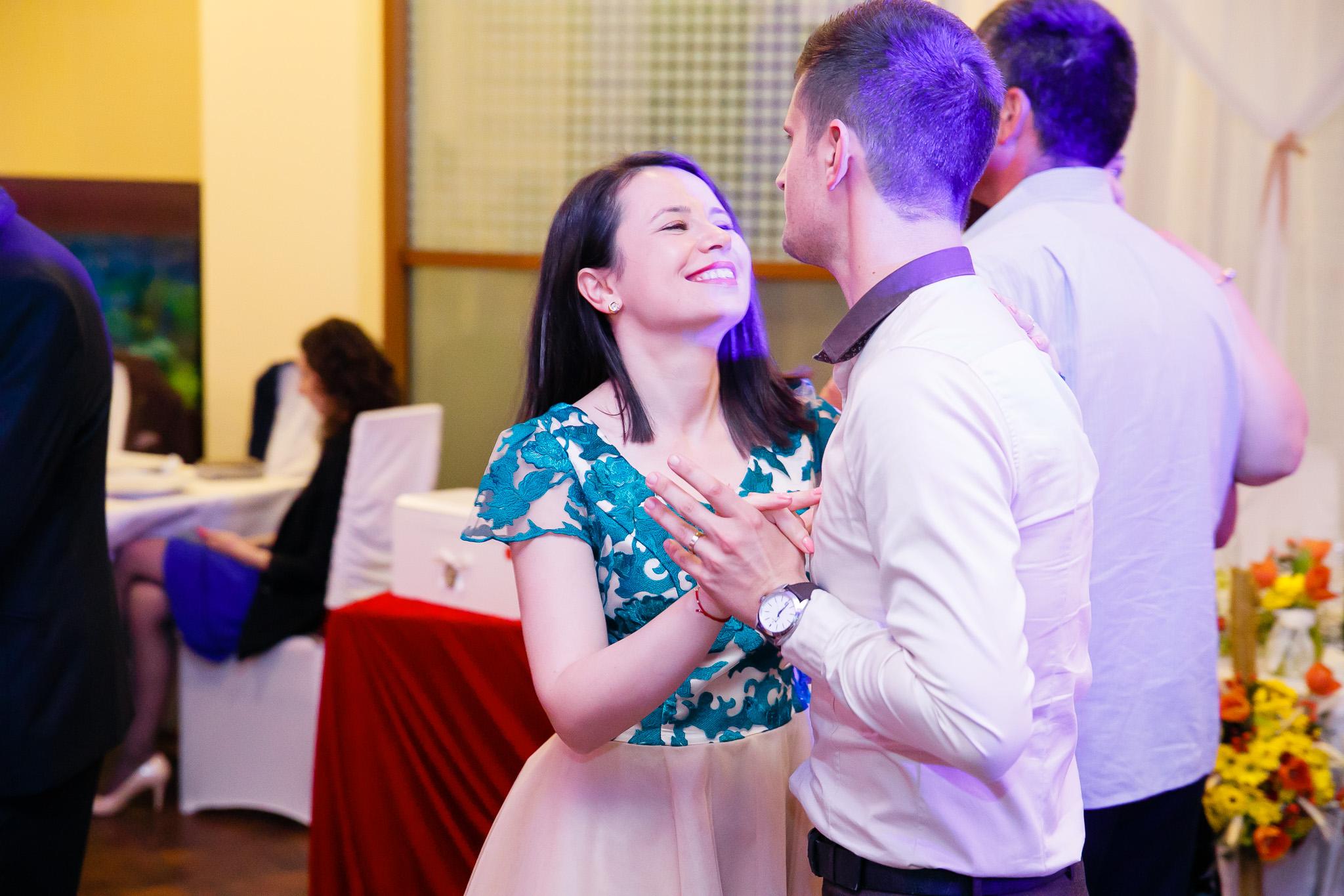 Nuntă tradițională Elisabeta și Alexandru fotograf profesionist nunta Iasi www.paulpadurariu.ro © 2018 Paul Padurariu fotograf de nunta Iasi petrecere miri 10