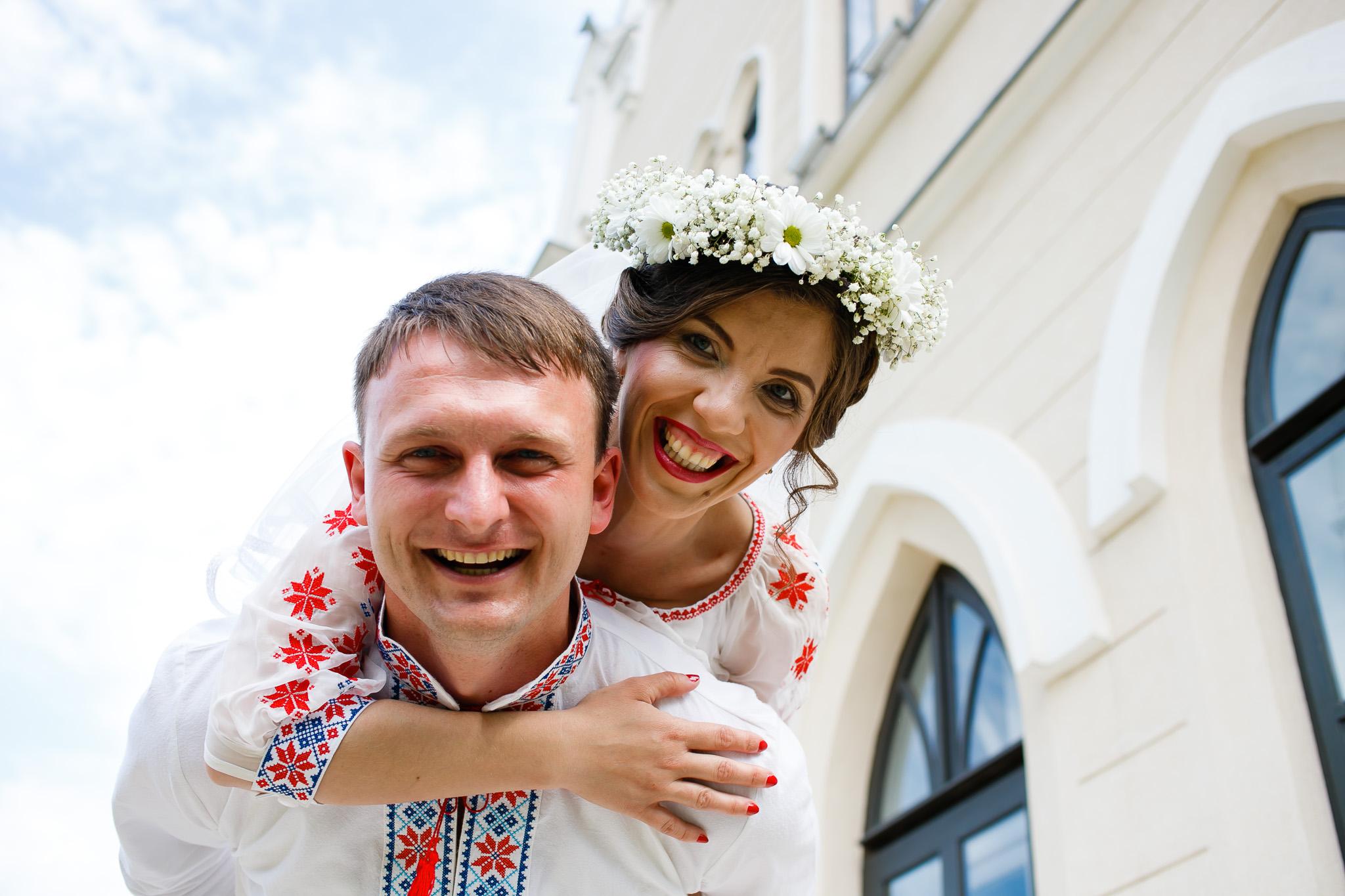 Nuntă tradițională Elisabeta și Alexandru fotograf profesionist nunta Iasi www.paulpadurariu.ro © 2018 Paul Padurariu fotograf de nunta Iasi sedinta foto miri 11