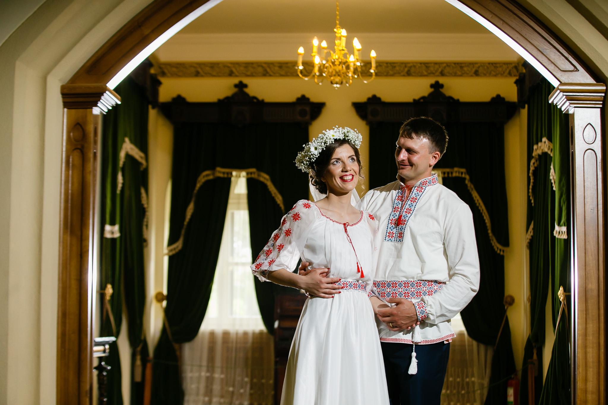 Nuntă tradițională Elisabeta și Alexandru fotograf profesionist nunta Iasi www.paulpadurariu.ro © 2018 Paul Padurariu fotograf de nunta Iasi sedinta foto miri 10