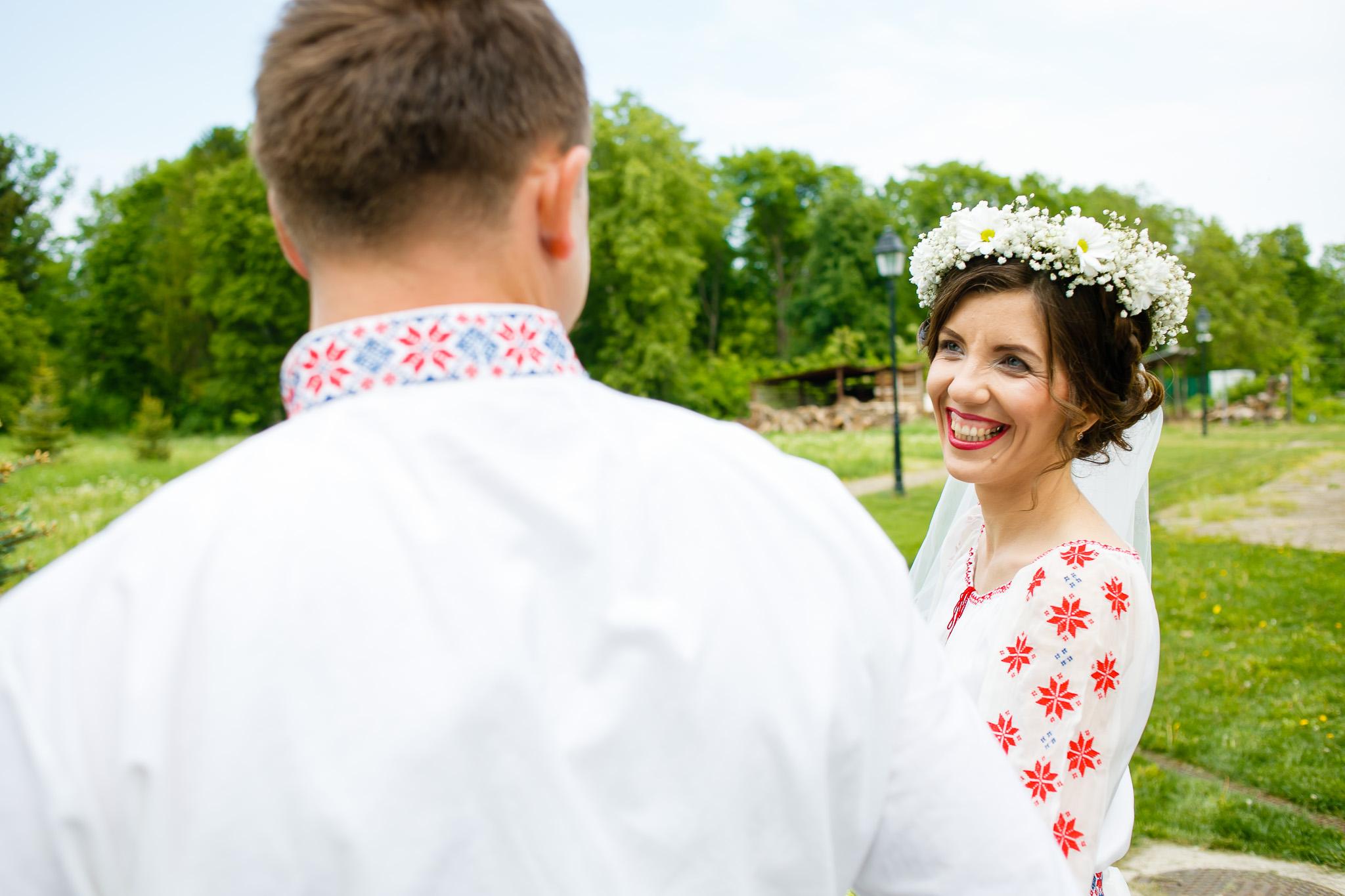 Nuntă tradițională Elisabeta și Alexandru fotograf profesionist nunta Iasi www.paulpadurariu.ro © 2018 Paul Padurariu fotograf de nunta Iasi sedinta foto miri 3