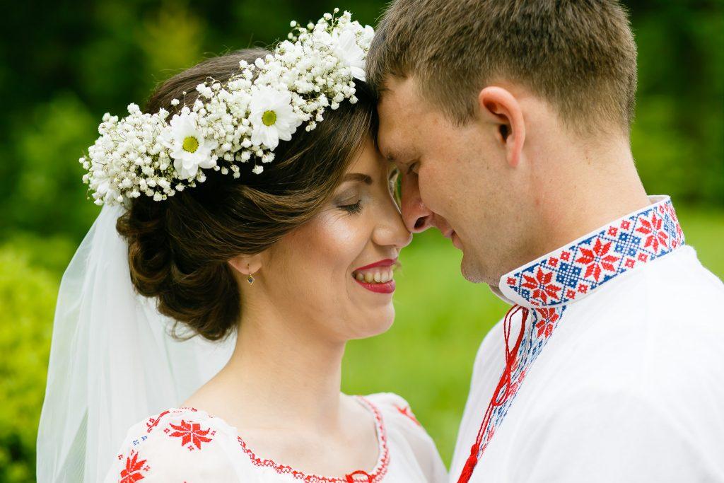 Nuntă tradițională Elisabeta și Alexandru fotograf profesionist nunta Iasi www.paulpadurariu.ro © 2018 Paul Padurariu fotograf de nunta Iasi sedinta foto miri 7