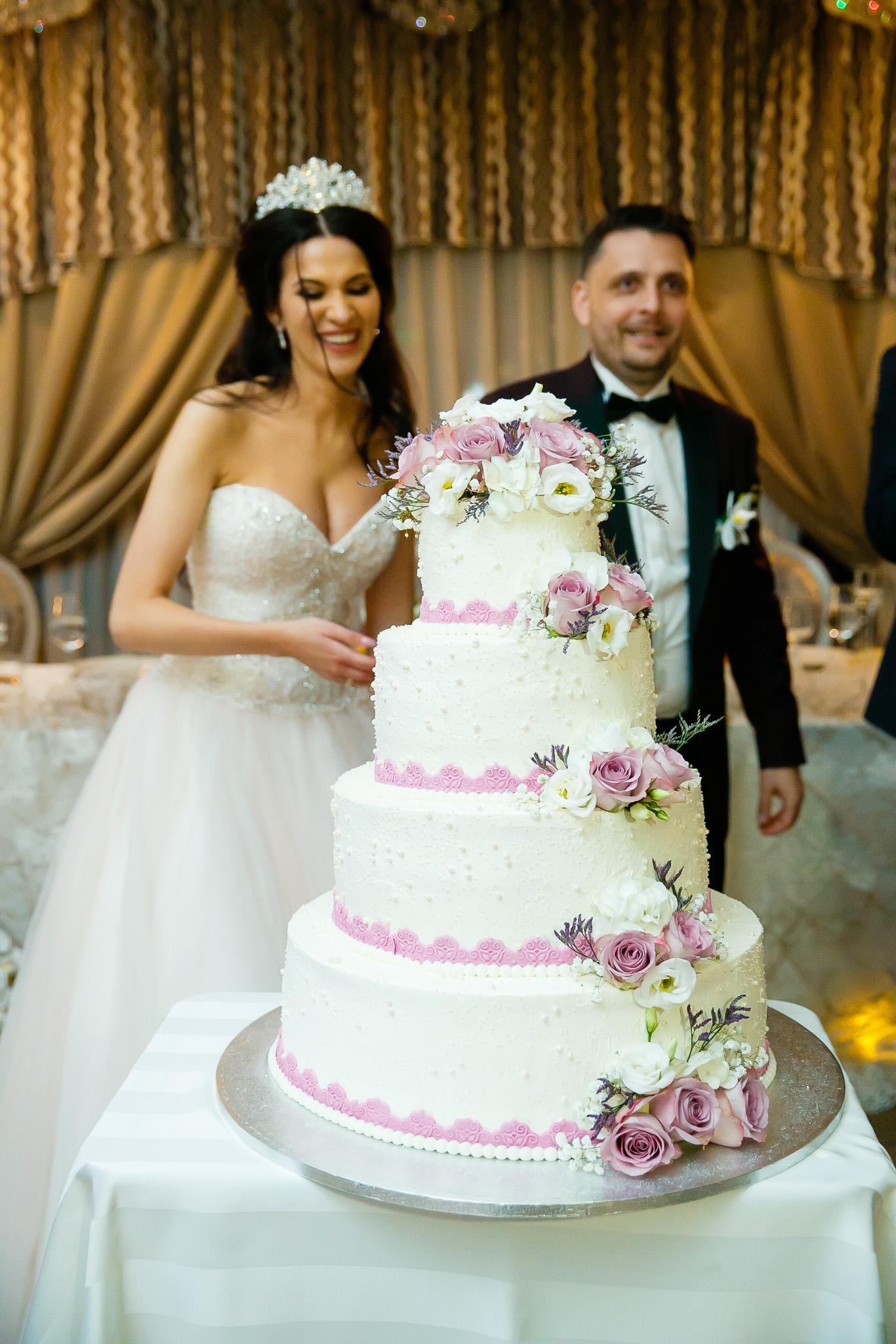 Larisa si Bogdan Nuntă la Pleiada fotograf profesionist nunta Iasi www.paulpadurariu.ro © 2018 Paul Padurariu petrecere 6
