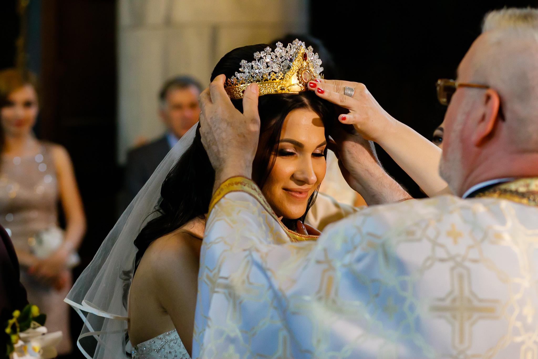 Larisa si Bogdan Nuntă la Pleiada fotograf profesionist nunta Iasi www.paulpadurariu.ro © 2018 Paul Padurariu cununia religioasa 4