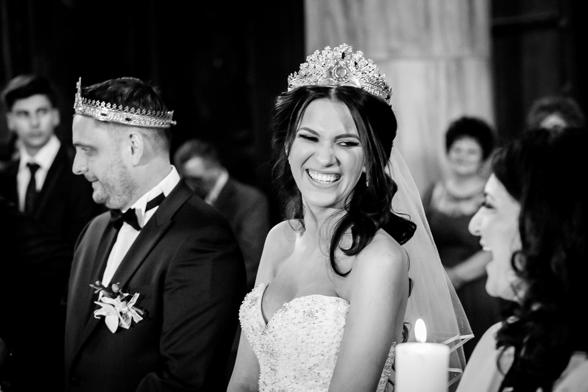 Larisa si Bogdan Nuntă la Pleiada fotograf profesionist nunta Iasi www.paulpadurariu.ro © 2018 Paul Padurariu cununia religioasa 6