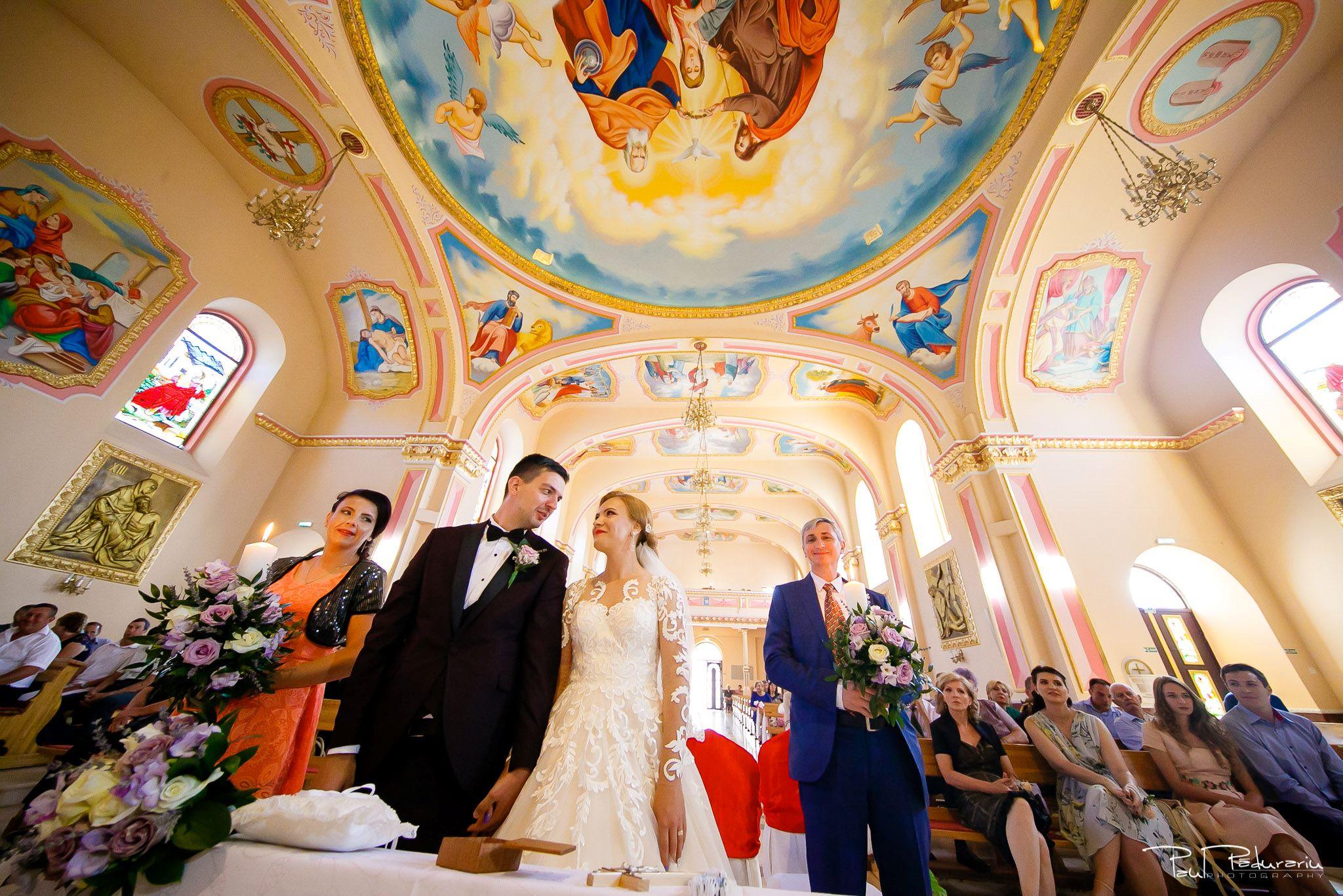 Diana Sebi nunta lavanda paul padurariu fotograf cununie religioasa Biserica Nașterea Sfintei Fecioare Maria Husi 6