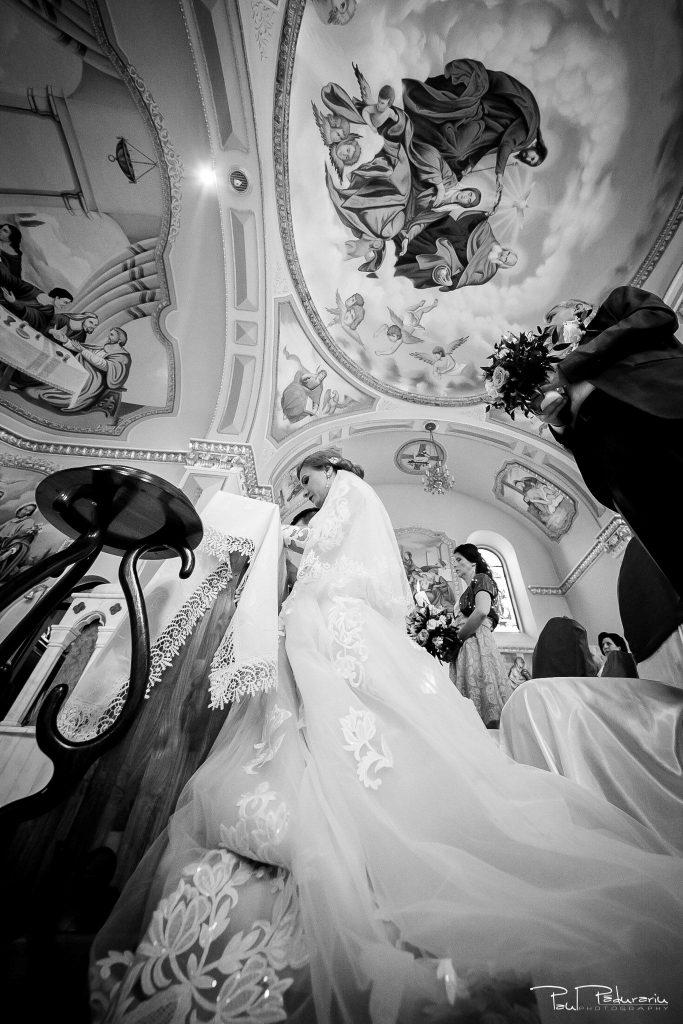 Diana Sebi nunta lavanda paul padurariu fotograf cununie religioasa Biserica Nașterea Sfintei Fecioare Maria Husi 7