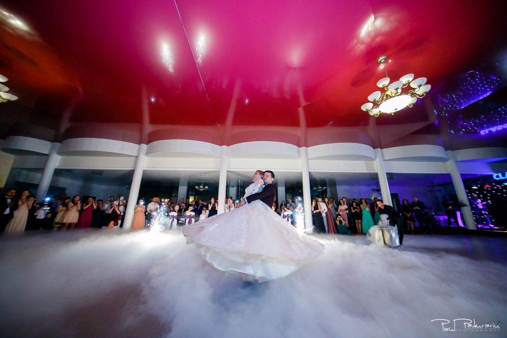 Diana Sebi nunta lavanda paul padurariu fotograf nunta Salon Regal Husi dans miri