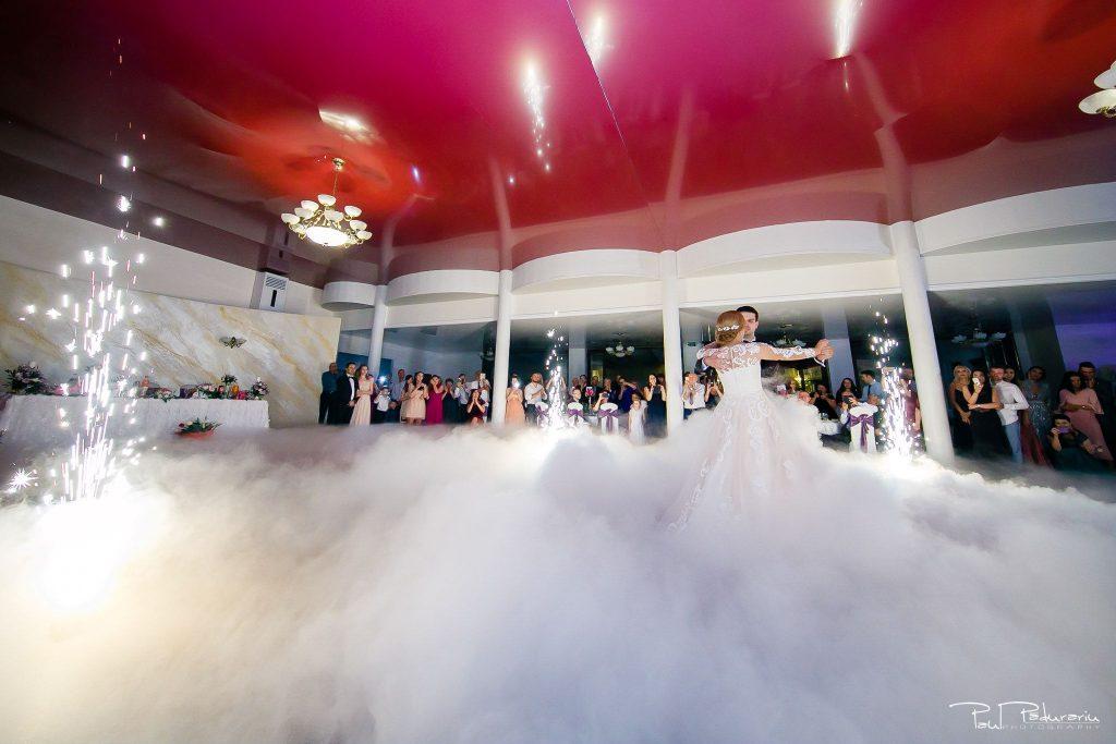 Diana Sebi nunta lavanda paul padurariu fotograf nunta Salon Regal Husi dans miri 2