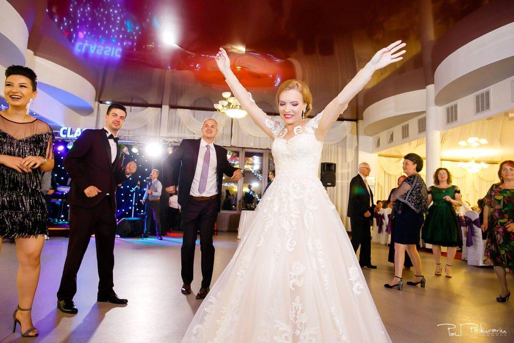 Diana Sebi nunta lavanda paul padurariu fotograf nunta Salon Regal Husi 7