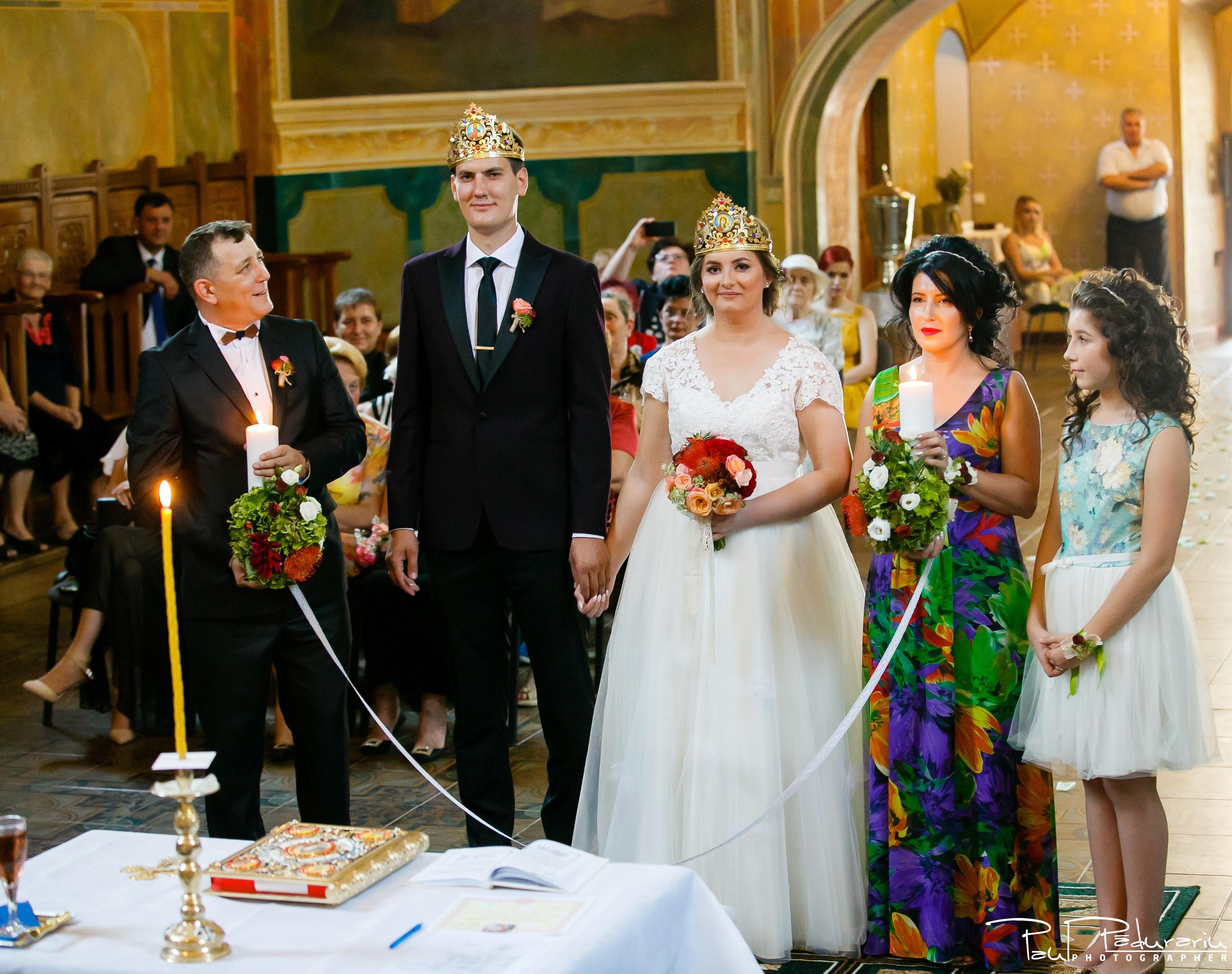 Cristina si Razvan nunta rustica la Bellaria Iasi cununia religioasa cadru miri 3 fotograf profesionist nunta www.paulpadurariu.ro © 2017 Paul Padurariu