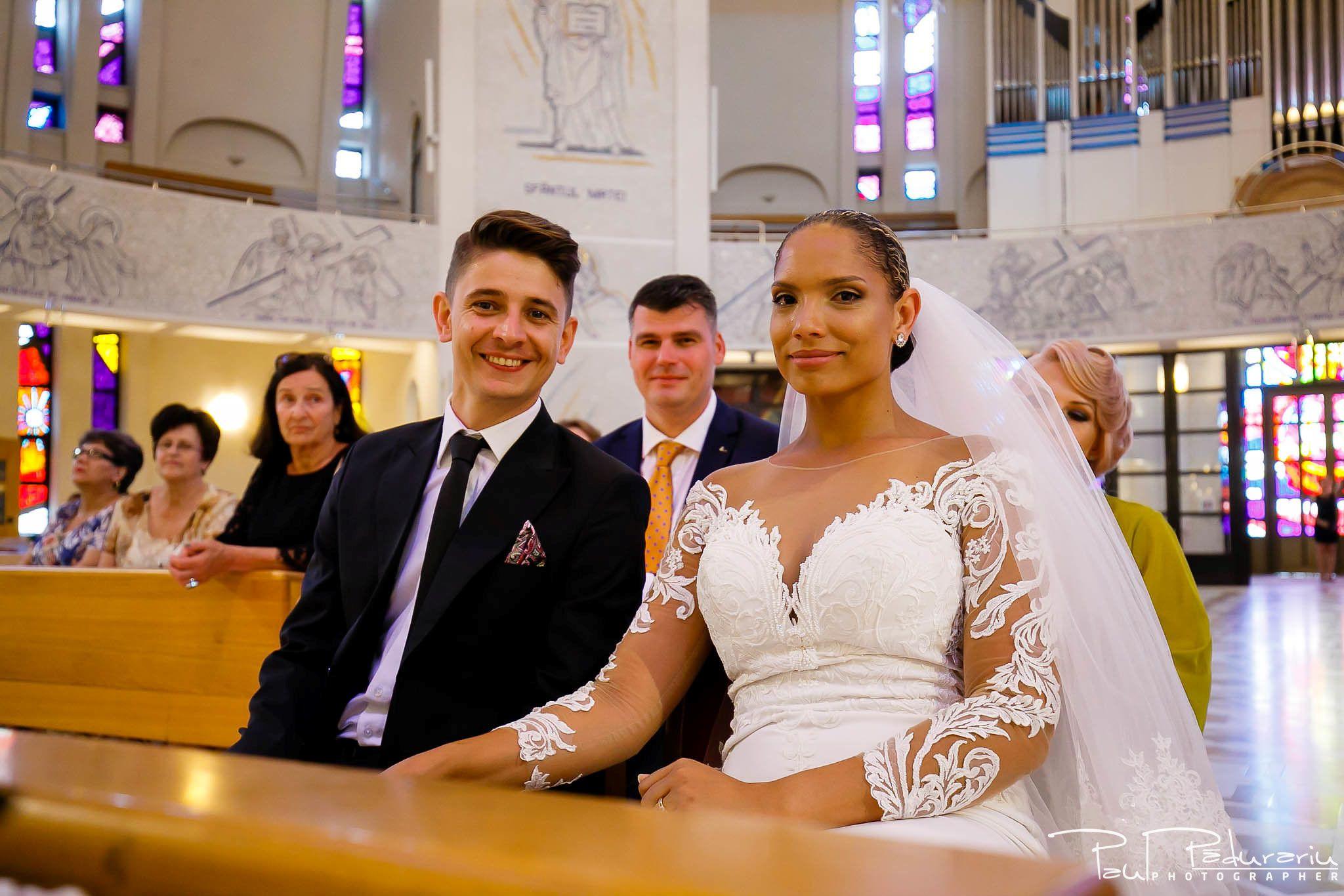 Andrei si Michaela cununia religioasa Catedrala Sfanta Fecioara Maria, Regina   fotograf nunta Iasi Paul Padurariu 10