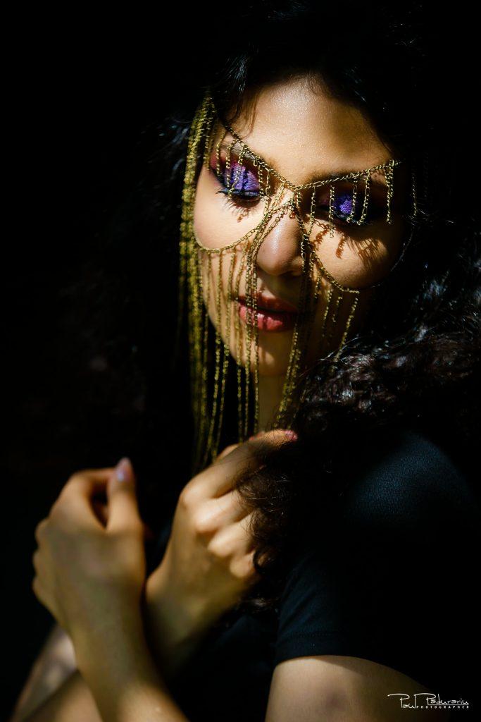 portret bruneta iasi