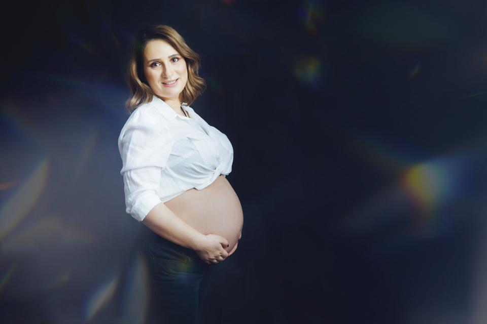 sedinta foto maternitate in studio in Iasi